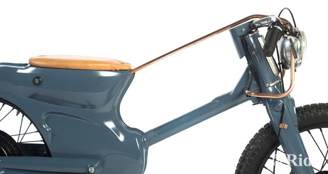 ホンダカブをベースに製作された電動バイクがカッコイイ!