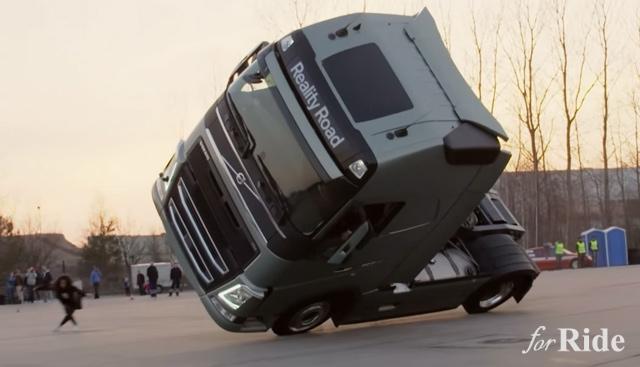 最近のボルボ・トラックスのCMがアクロバティックすぎる!