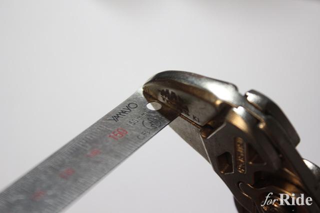 一度落とすとひろいにくい鉄定規をカンタンにひろいやすくする方法