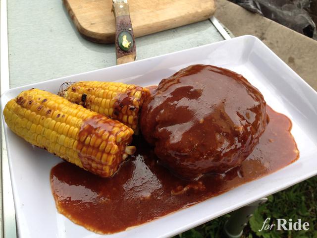 キャンプで盛り上がる料理レシピ!オトコの料理ジャンボハンバーグ!!