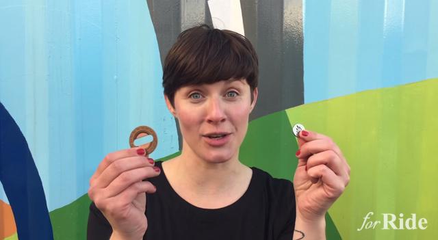 女性考案の自転車パンチラ防止術が話題!スコットランドの自転車イベント「サイクルハック」で発表