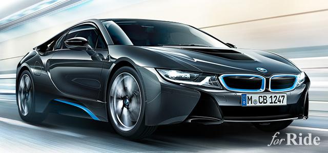 EVカー「テスラ モデルS  P85D」とハイブリッドカー「BMW i8」の対決!