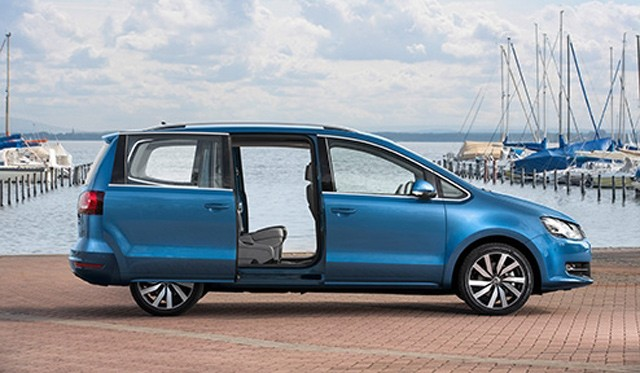 VWの7人乗りミニバン「SHARAN」が、自動ブレーキシステムを採用し新登場