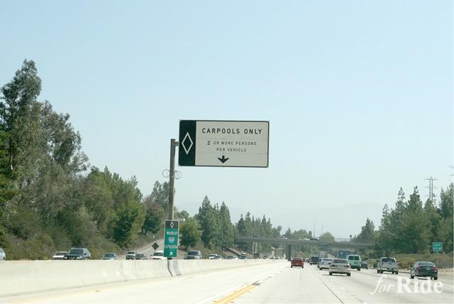 結局のところアメリカのカープールレーンは渋滞緩和に貢献しているのか?