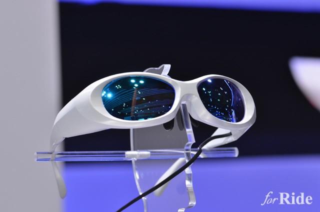 ヤマハ発動機とソニーの共同開発したウェアラブルヘルメットコンセプト【東京モーターショー2015】
