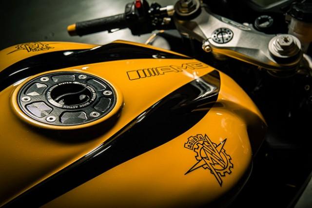 Mercedes-Benz-AMG-x-MV-Agusta-F3-800-Motorcycle-4