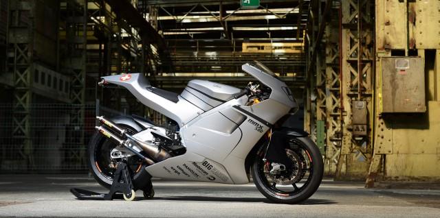 スイスで復活した2ストレーサーNSR500レプリカ「MMX500」