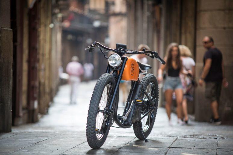 ビンテージバイク? いえ、オシャレな電動アシスト自転車「OtoR Electric Bike」です!