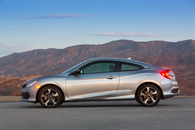 RES_16CivicCoupe_014