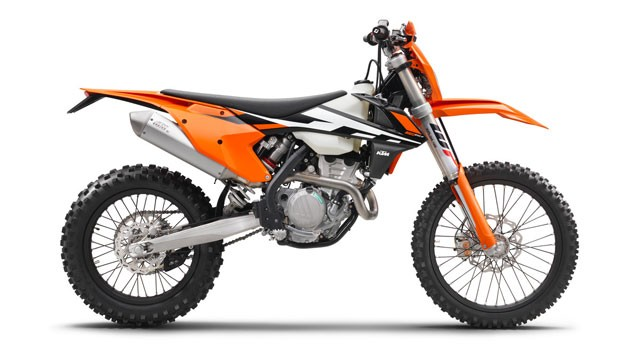 142474_KTM-250-EXC-F-90de-right-MY2017-studio