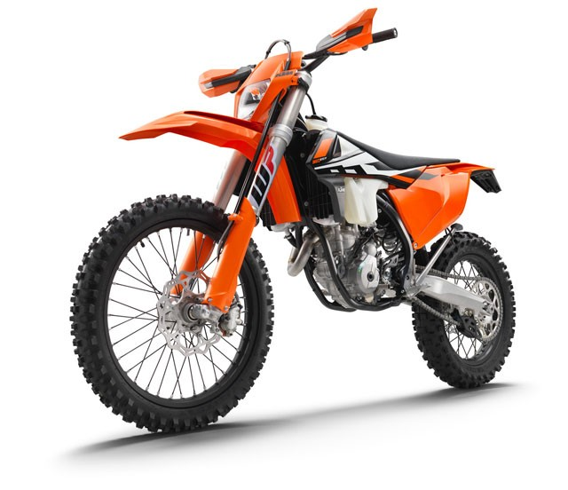 142482_KTM-350-EXC-F-left-ffront-MY2017-studio