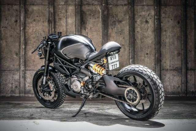 Ducati-M1100-Darth-Mostro-by-K-Speed-3