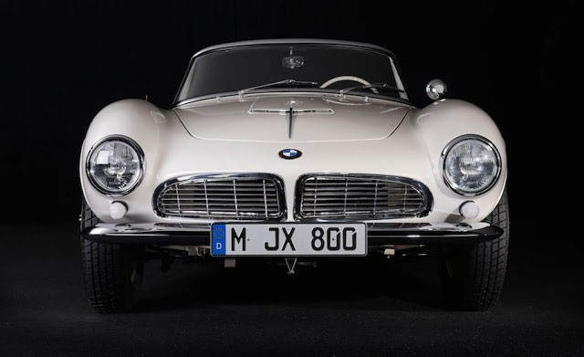Elvis-Presley-BMW-507-REVIVED-010