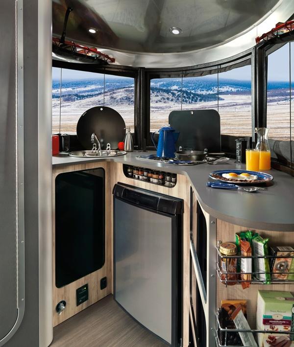 Airstream-Basecamp07