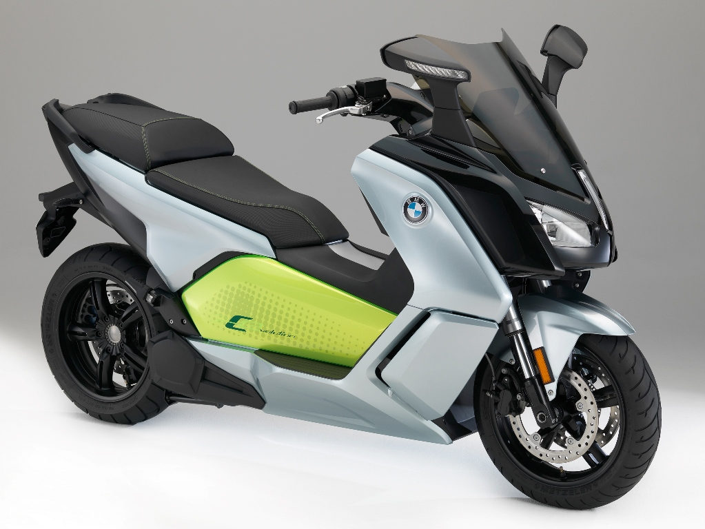 P90229594_highRes_the-new-bmw-c-evolut
