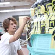 香取慎吾氏が徹夜で仕上げた!BMW「X2 ラッピングカー」の出来が秀逸過ぎる?