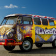 ラブ・ピース&VW!復活した伝説のタイプII「ライトバス」をギャラリーで楽しんでくれ!