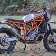 KTMのカスタムバイクが斬新すぎる!シルバー×オレンジがオシャレだぜ!