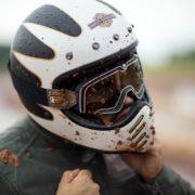 バイク用ヘルメットのメガネ選びで気をつけたいポイントは?