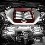 エンジンの気筒数が増えると何が違う?排気量と気筒数の関係性とは