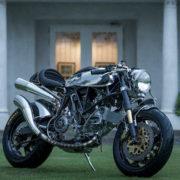【劇的ビフォアフ】イタリアのバイクを英国紳士なカフェレーサーに!?