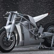 うおぉ!? なんだこれかっけえ!カスタムベースは現行市販されてる電動バイク!?
