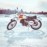 意地でも雪の日にバイクに乗りたい人向け!冬乗りに必要な装備まとめ