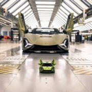 イタリアのスーパーカーを作り上げろ!「レゴ®テクニック ランボルギーニ シアンFKP 37」発売