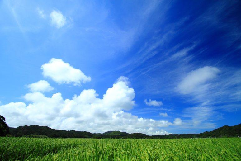 ツーリング中の晴れた空