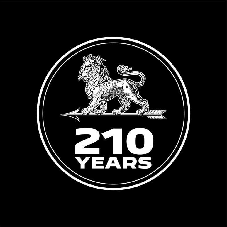 プジョー210周年
