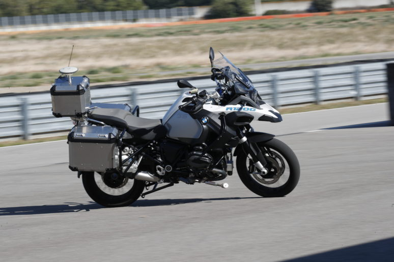 BMW R1150GS Automous riding