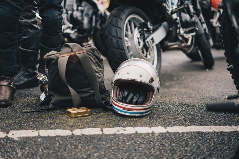 そのヘルメット、もう寿命かも?ヘルメットの使用期限チェック方法